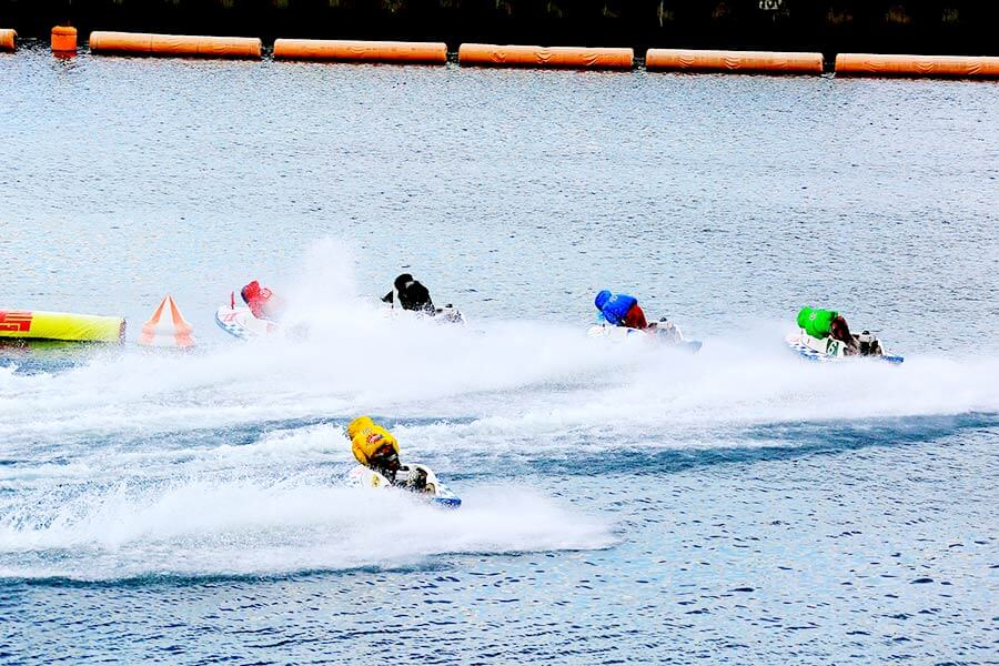 競艇は1周目第1ターンマークでほぼ決着する