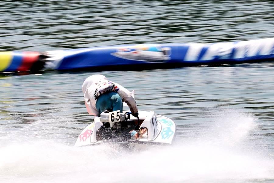 モーターの性能差もレースに影響