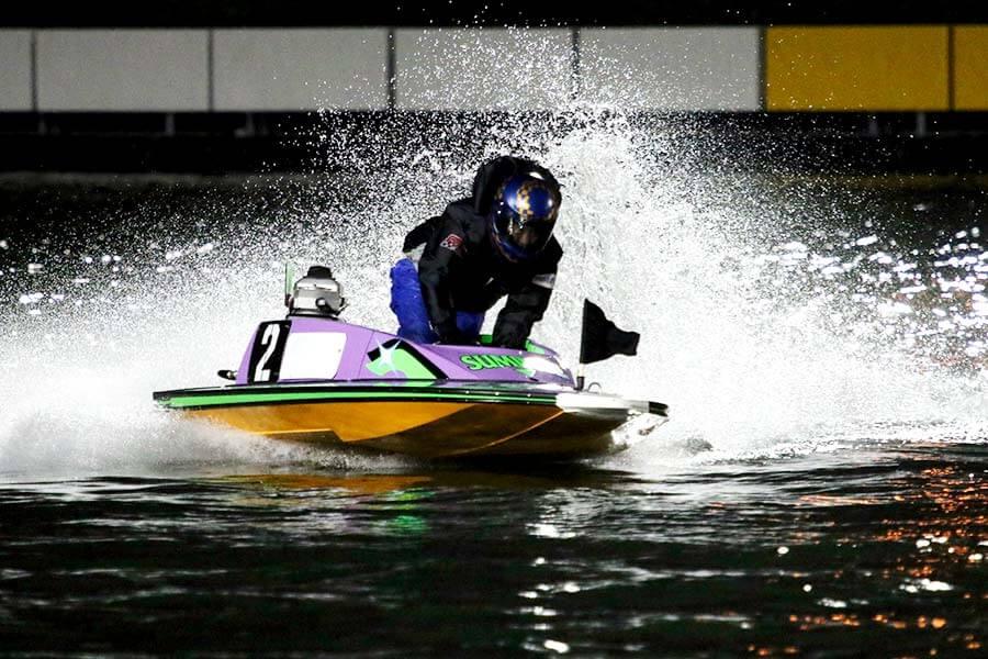 競艇のナイターレースの特徴と予想のコツを伝授!